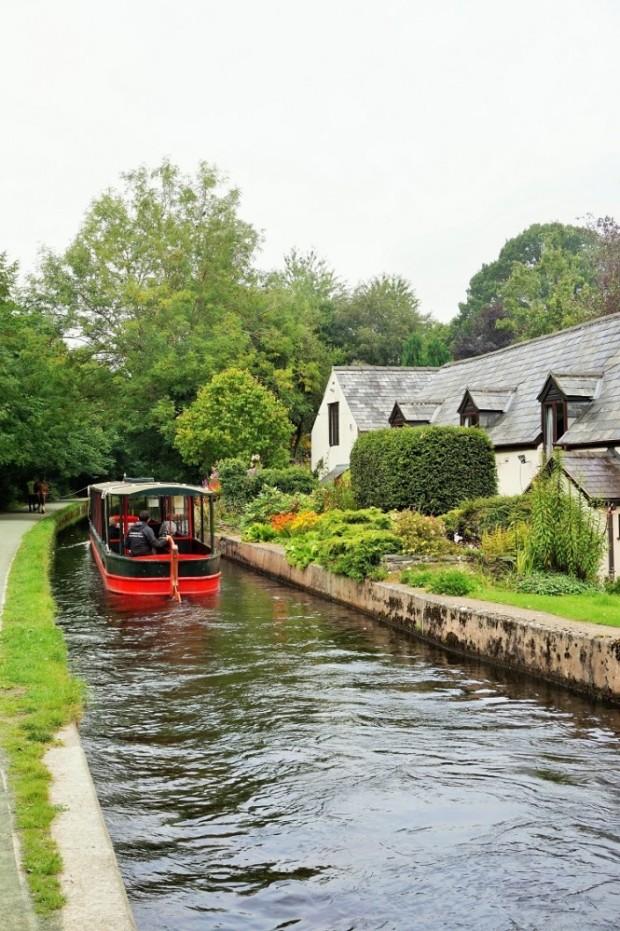 horse drawn narrow boat wales