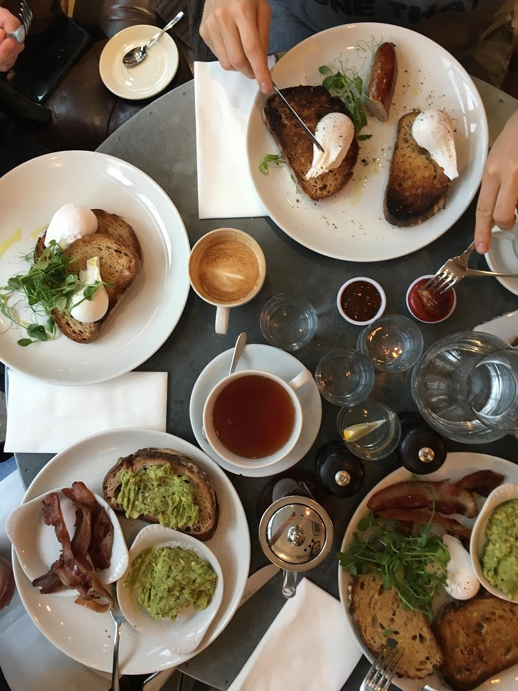 brunch at eat17 in walthamstow