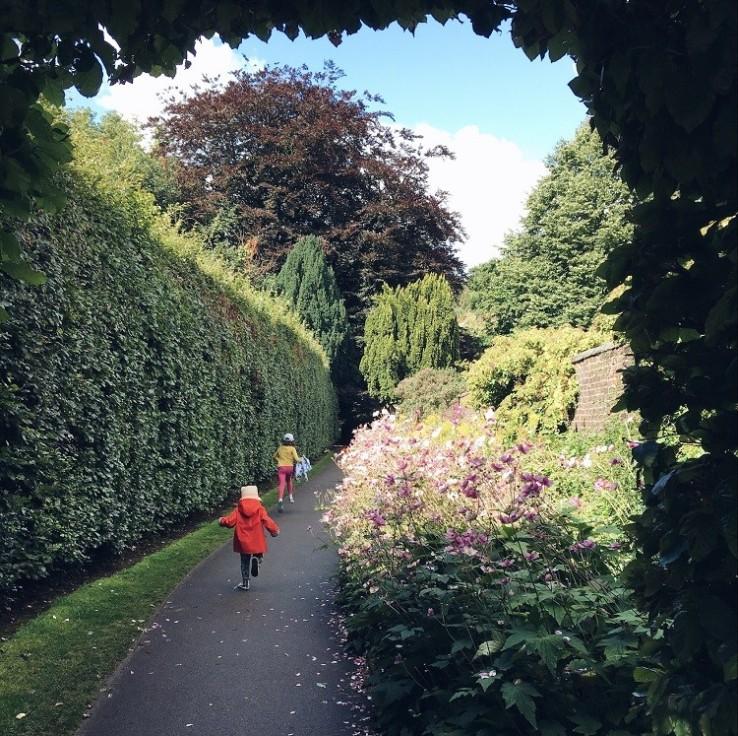 bramhall park gardens
