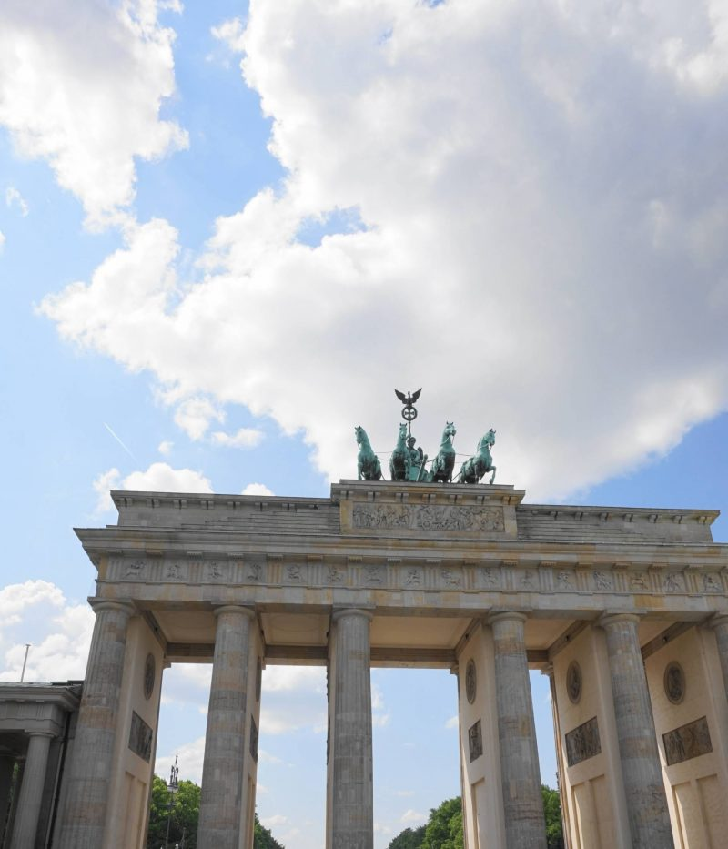 weekend in berlin what to do free walking tour mini review