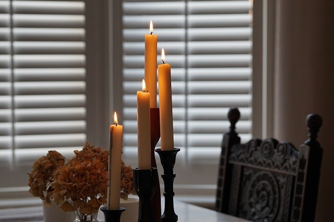 shutters in winter vintage interiors style