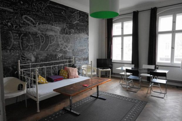 chalkboard wall airbnb moabit berlin apartment