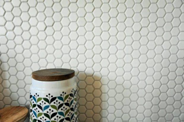 hexagonal tiles with sagoform jars