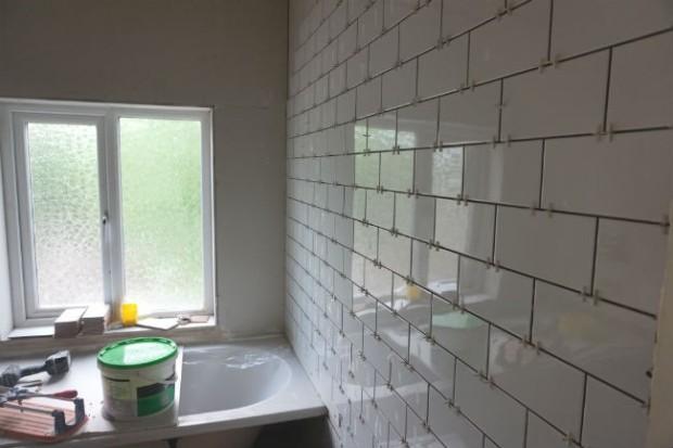 underground tiles in bathroom