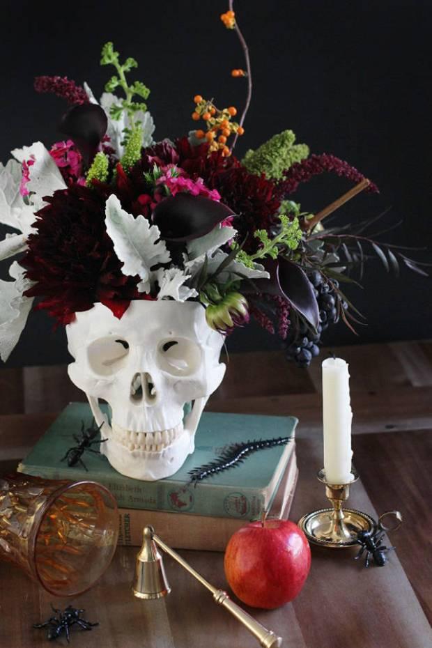 skull flowers halloween decor