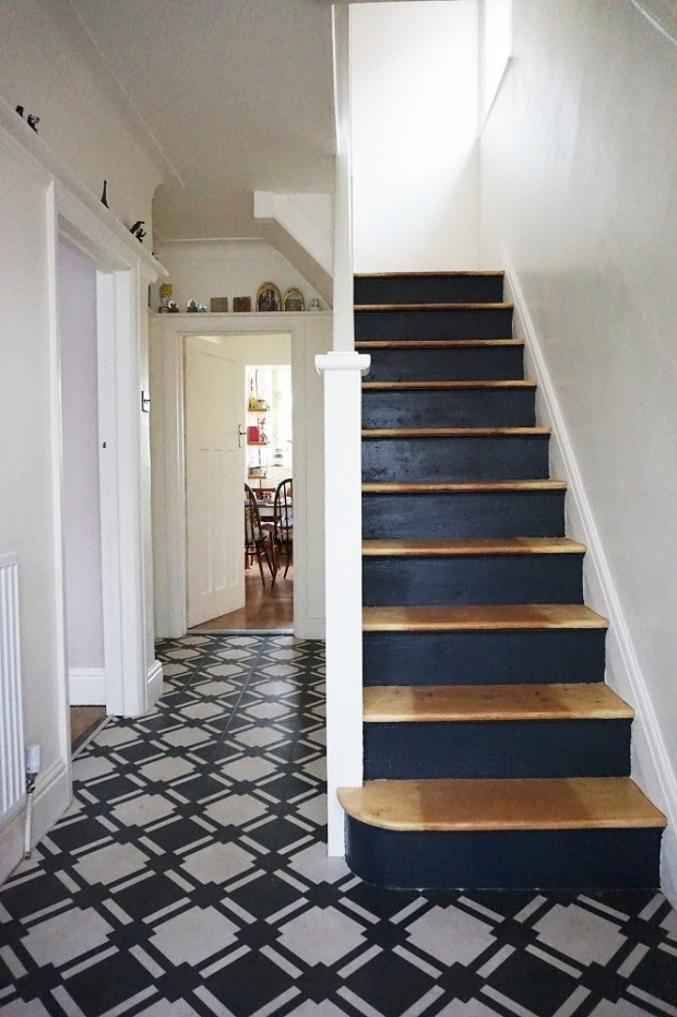 staircase makeover using black paint